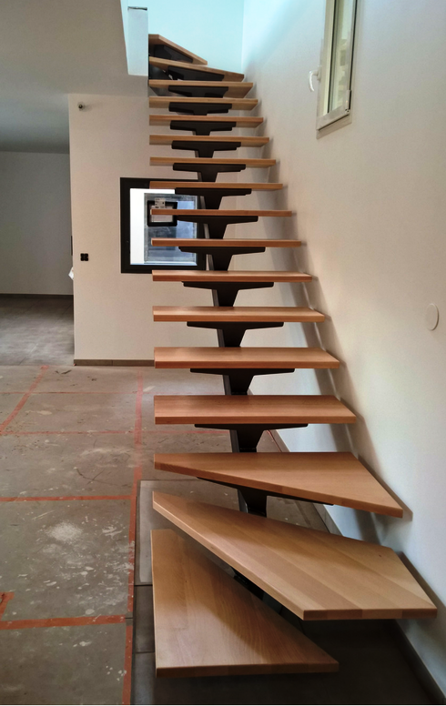 escalier gain de place quart tournant quel amnagement sous mon escalier quart tournant partie. Black Bedroom Furniture Sets. Home Design Ideas