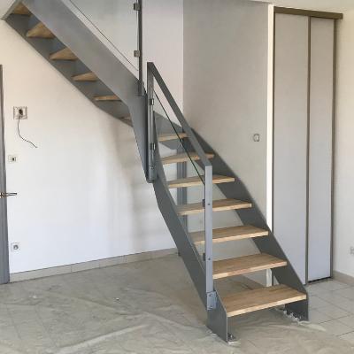 Escalier quart tournant - RAL9006 - avec marches en hévéa