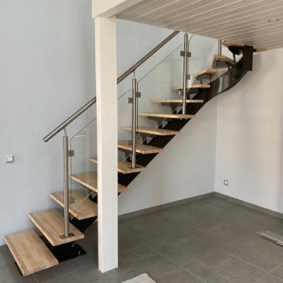 Escalier métal bois avec limon centraux et quart tournant sur la partie haute