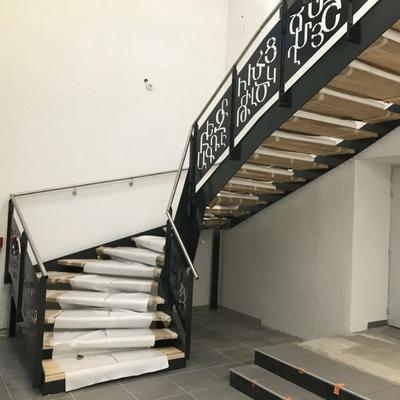 Escalier en acier - Drôme