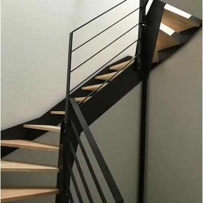 Escalier double quart tournant en acier avec marches en hévéa - Drôme