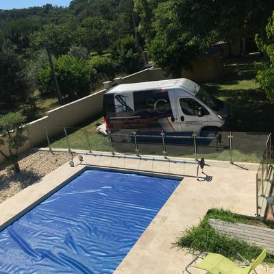 Barrière de piscine en inox brossé et verre - Drôme