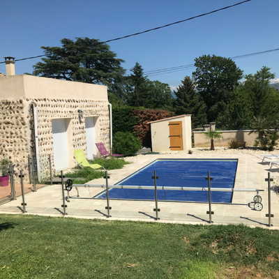 Clôture de piscine en inox brossé et verre - Drôme