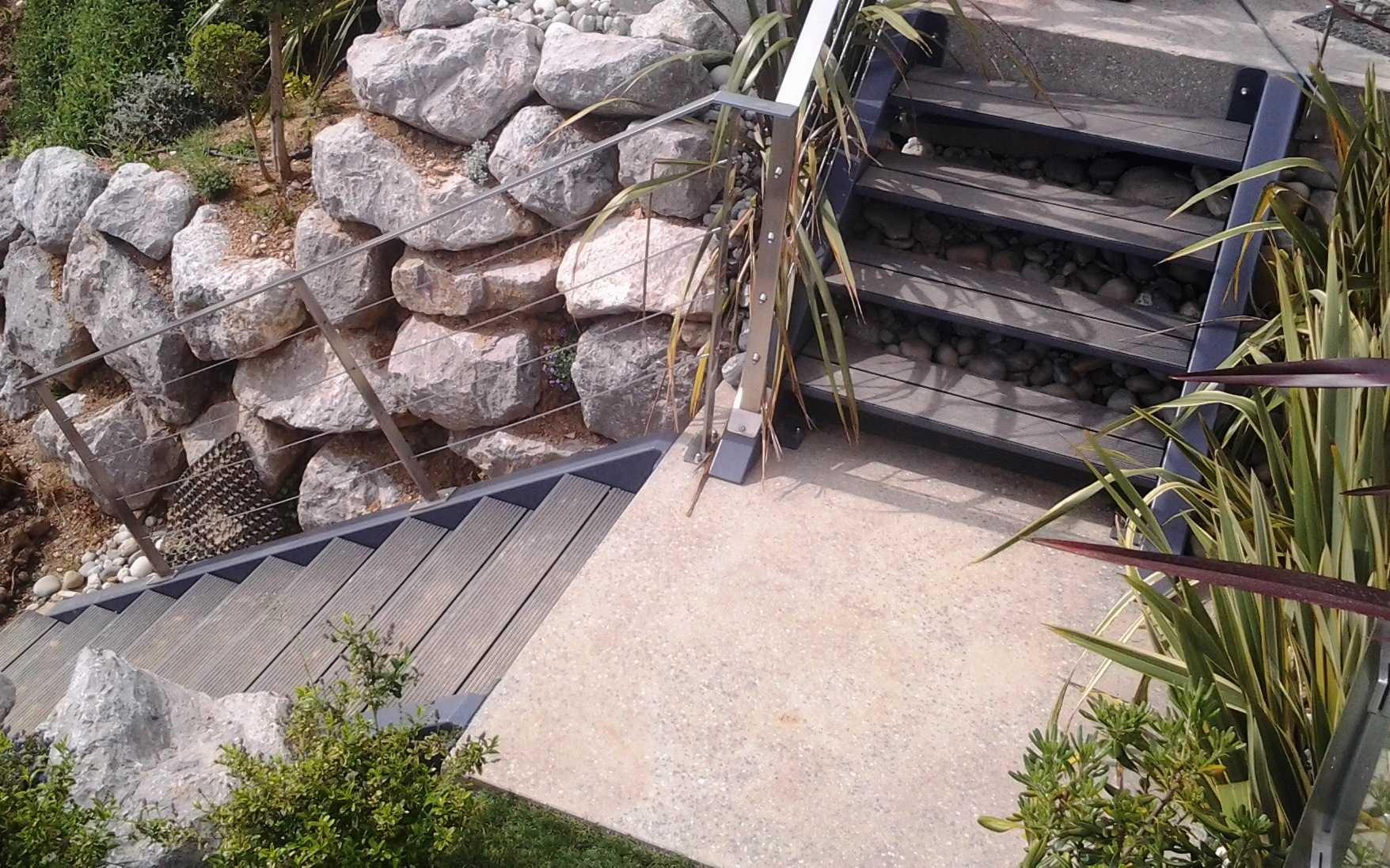 terrasse suspendue ipn dsc terrasse sur pilotis couverte terrasse suspendue en fer photo de. Black Bedroom Furniture Sets. Home Design Ideas